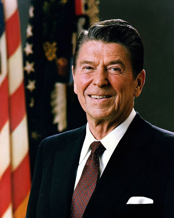 5acca05b66a97c82afd03da7 - who was the first president of the united states